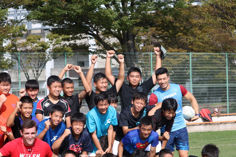 元ウェールズ代表ヒュー選手と日本代表山田章仁選手によるラグビークリニック